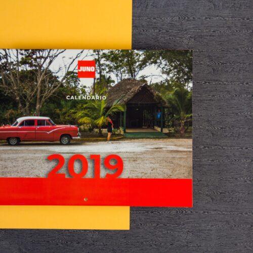 Calendario formato revista para pared impreso en color