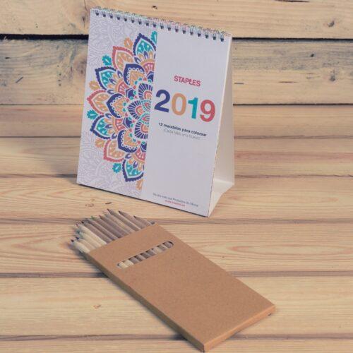 calendario Staples temática mandalas impreso en papel reciclado y encuadernado en wire-o