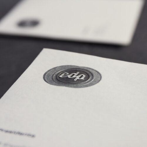 Detalle del encabezamiento de la hoja de carta de papelería corporativa