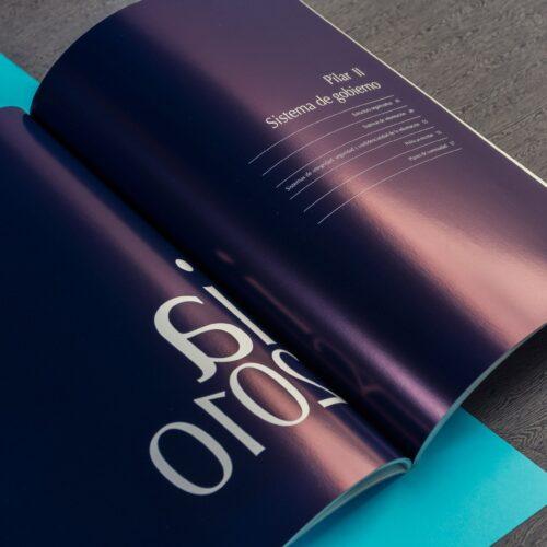 Catalogo comercial en color rustica fresada